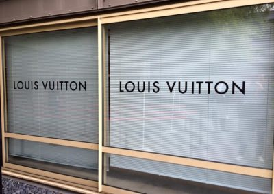 images et solutions - vitrine louis vuitton 2